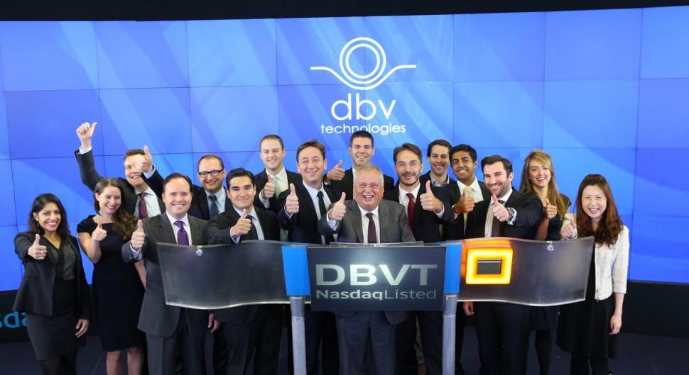 La société DBV Technologies, récompensée par le prix de la performance boursière BFM Business
